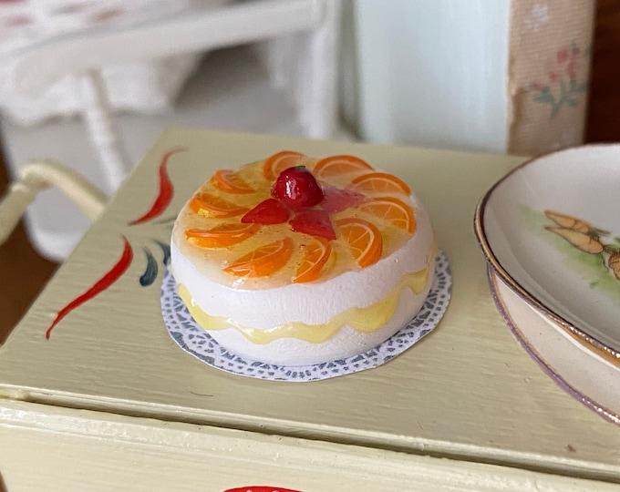 Miniature Cake, Fruit Cover White Cake on Paper Doily, Dollhouse Miniature, 1:12 Scale, Mini Food, Dollhouse Food, Mini Cake