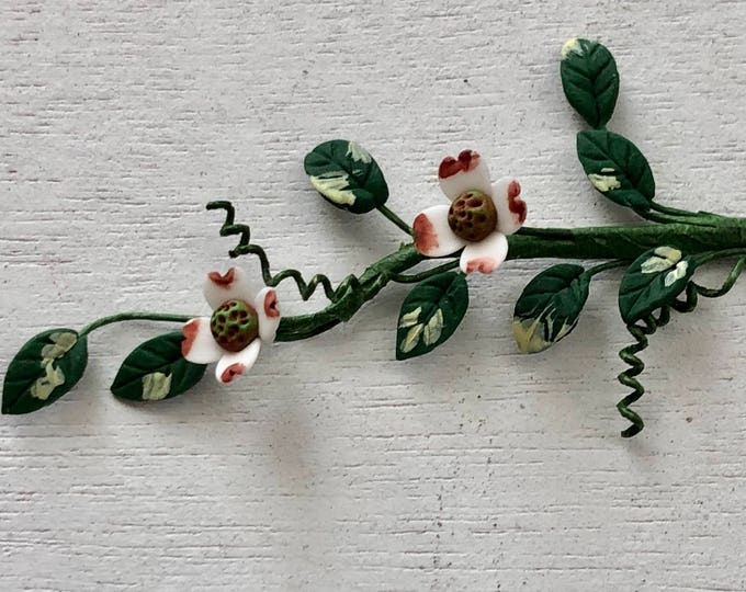 Miniature Flowers, Small Dogwood Flower Vine Stem, Dollhouse Miniature, 1:12 Scale, Dollhouse Accessory, Mini Home and Garden Decor, Crafts