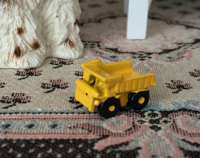 Miniature Dump Truck, Miniature Toy, Dollhouse Miniature, 1:12 Scale, Dollhouse Accessory, Decor, Crafts, Mini Yellow Truck