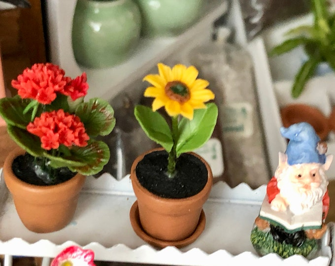 Miniature Sunflower in Clay Flower Pot with Removable Drip Saucer, Dollhouse Miniature, 1:12 Scale, Miniature Flower