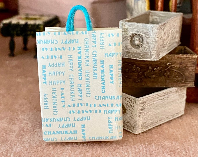Miniature Happy Chanukah Bag, Handle Paper Bag, Mini Shopping Bag, Dollhouse Miniature, 1:12 Scale, Dollhouse Accessory, Decor, Crafts