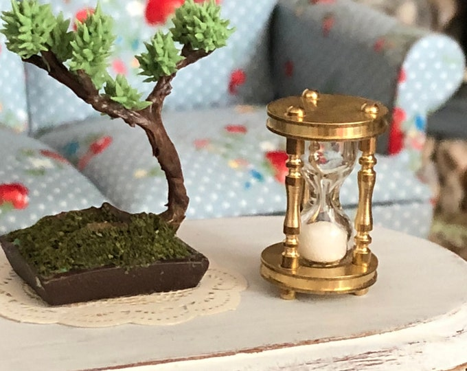 Miniature Hourglass, Brass Hour Glass With Moving Sand, Dollhouse Miniature, 1:12 Scale, Dollhouse Accessory, Decor, Topper, Crafts