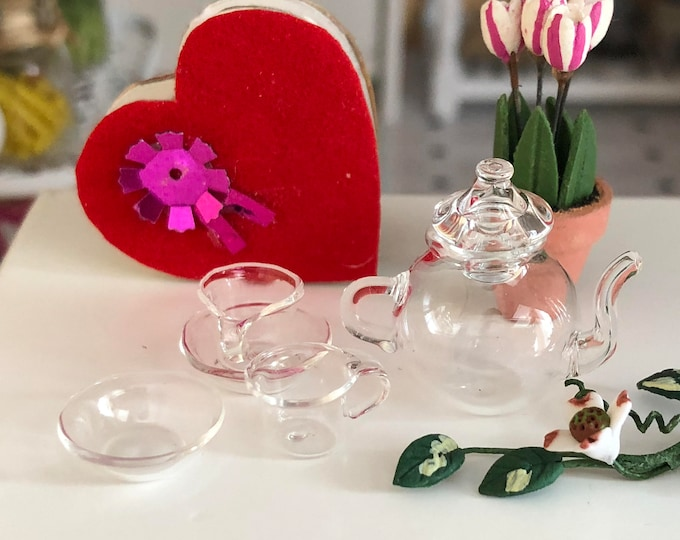 Miniature Glass Tea Set, Teapot, 2 Cups and 2 Saucers, Clear Glass Tea Set, Dollhouse Miniatures, 1:12 Scale,Mini Tea Set, Dollhouse Decor
