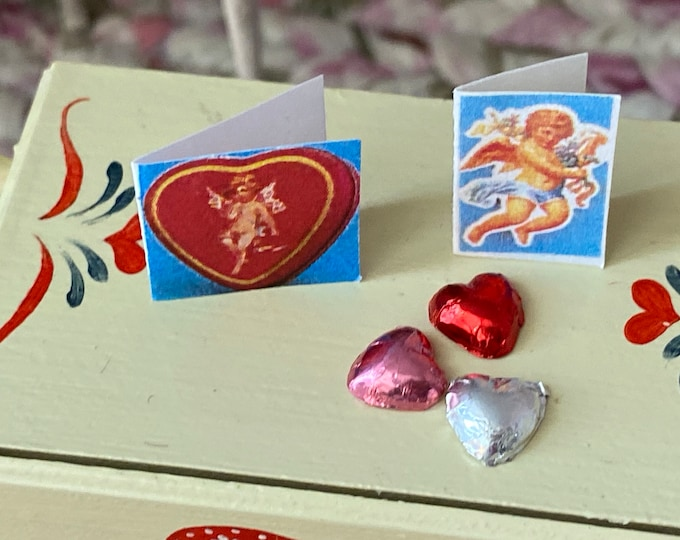 Miniature Valentine Cards and Foil Wrapped Hearts, 5 Piece Set, Dollhouse Miniature, 1:12 Scale, Holiday Decor, Mini Heart