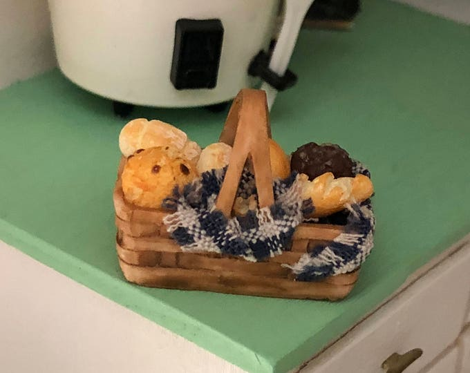 Miniature Bread Basket, Filled Basket, Dollhouse Miniature, 1:12 Scale, Miniature Food, Pretend Food, Dollhouse Food, Accessory, Decor