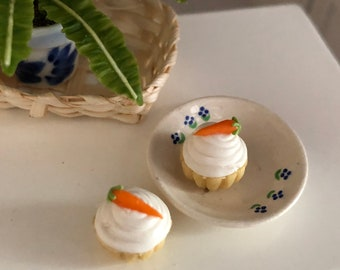 Miniature Cupcakes, Carrot Cake Cupcakes, Set of 2, Dollhouse Miniatures, 1:12 Scale, Dollhouse Food, Miniature Play Food, Crafts