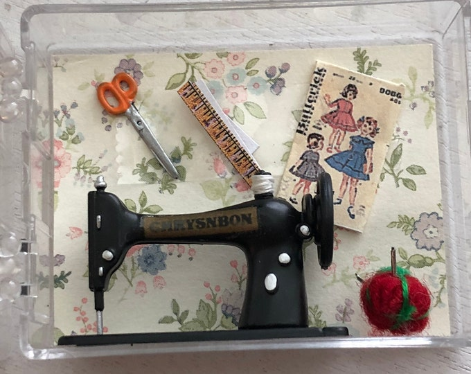 Miniature Vintage Style Sewing Machine, Scissors, Pattern and Pin Cushion Set, Dollhouse Miniatures, 1:12 Scale, Mini Sewing Set