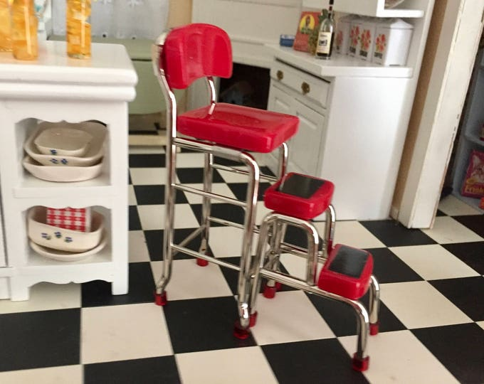 Miniature Red Metal Stool With Step Stool, Retro Style Stool, Kitchen Stool, Dollhouse Miniature Furniture, 1:12 Scale