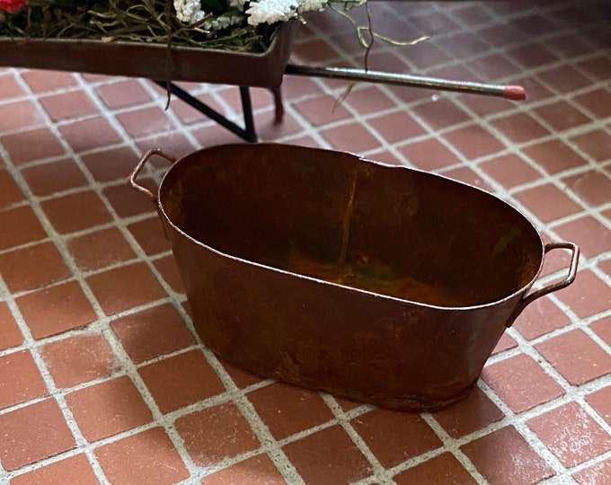 Miniature Oval Washtub, Rusty Look Mini Wash Tub, Dollhouse Miniature, 1:12 Scale, Dollhouse Accessory, Decor