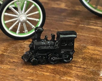 Miniature Train Engine, Dollhouse Miniature, 1:12 Scale, Mini Toy Train Engine, Dollhouse Accessory, Decor, Crafts, Topper