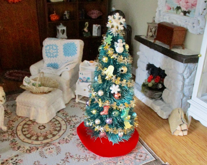 Miniature Decorated Christmas Tree And Skirt Set, Mini Ready To Display Tree, Dollhouse Miniature, 1:12 Scale, Holiday Decor, Tree