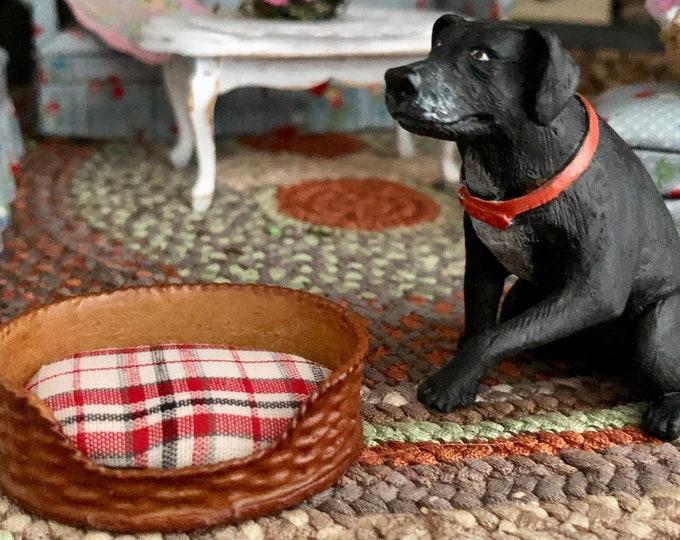 Miniature Dog Bed With Plaid Cushion, Dollhouse Miniature, 1:12 Scale, Mini Pet Bed, Dollhouse Accessory, Decor