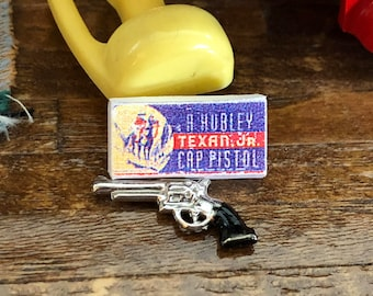 Miniature Toy Gun With Box, Mini Cap Pistol Reproduction, Dollhouse Miniature, 1:12 Scale, Mini Toy, Dollhouse Accessory, Crafts