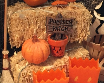 Miniature Halloween Sign, Painted Pumpkin Face Flower Pot With Pumpkin Patch Sign, Dollhouse 1:12 Scale, Holiday Decor, Accessory