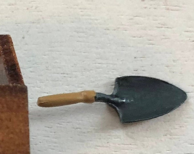 Miniature Garden Trowel, Mini Metal Trowel Shovel, Dollhouse Miniatures, 1:12 Scale, Garden Decor, Accessory, Crafts
