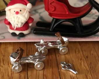Miniature Roller Skates, Vintage Style Skates with Key, Dollhouse Miniature, 1:12 Scale, Dollhouse Accessory, Decor, Crafts, Mini Skates