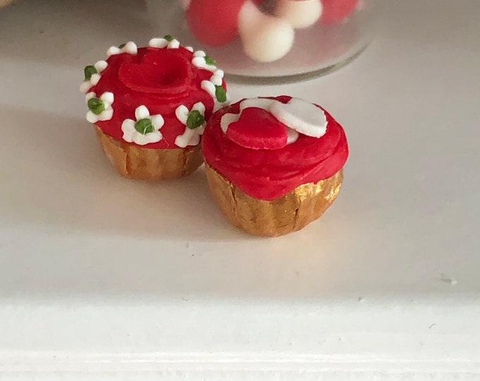 Miniature Valentine Cupcakes, Set of 2, Dollhouse Miniature, 1:12 Scale, Miniature Food, Mini Holiday Cupcake, Dollhouse Decor, Accessory