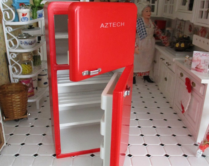 Miniature 1950s Refrigerator, Red Fridge, Dollhouse Miniature, 1:12 Scale, Retro White Kitchen Fridge, Dollhouse Kitchen Furniture