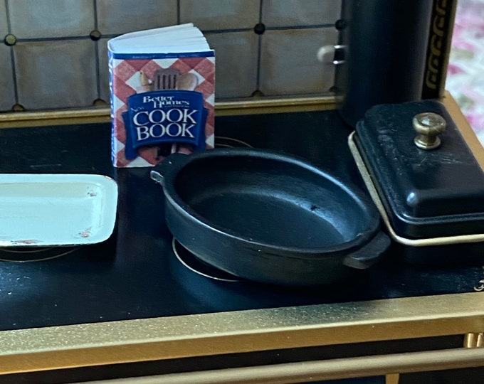 Miniature Roasting Pan, Mini Black Turkey Roast Pan, Style #69,. Dollhouse Miniature, 1:12 Scale, Dollhouse Kitchen Decor, Accessory