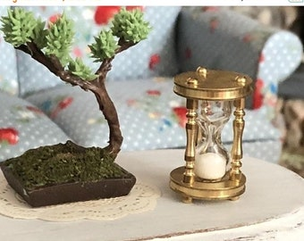 SALE Miniature Hourglass, Brass Hour Glass With Moving Sand, Dollhouse Miniature, 1:12 Scale, Dollhouse Accessory, Decor, Topper, Crafts