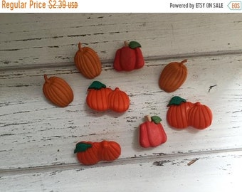"""SALE Pumpkin Buttons, Packaged Novelty Buttons by Buttons Galore, """"Pumpkin Patch"""" Style 4620 Autumn Collection, Sewing, Crafting, Embellishm"""