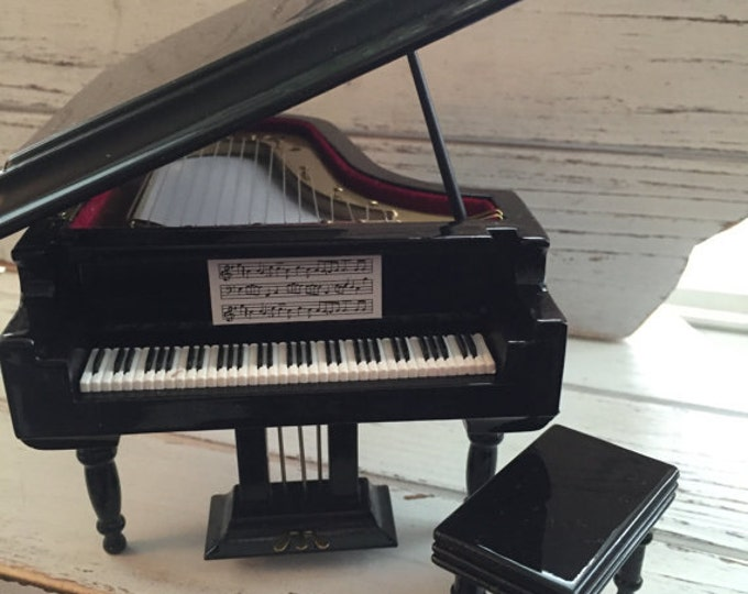 Miniature Black Grand Piano with Stool, Dollhouse Miniature, 1:12 Scale, Dollhouse Accessory, Music Room, Decor, Dollhouse Furniture