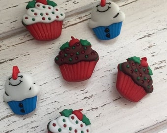 """SALE Christmas Cupcake Buttons, Snowman Cupcakes, Themed Novelty Buttons by Buttons Galore """"Jolly Treats"""" Style 4776, Packaged Set of Set Bu"""