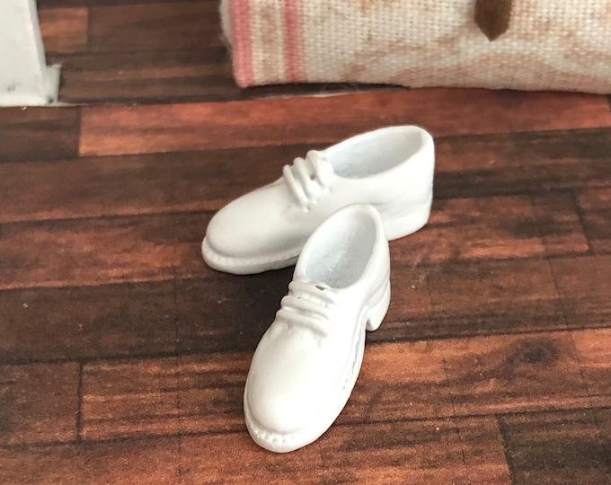 Miniature Nurse Shoes, Vintage Look White Nurse Work Shoes, Dollhouse Miniature, 1:12 Scale, Mini Shoes, Dollhouse Accessory