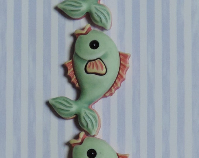 Fish Buttons, Carded Novelty Buttons by Buttons Galore, Bazooples Collection, Green Fish Buttons Set of 3