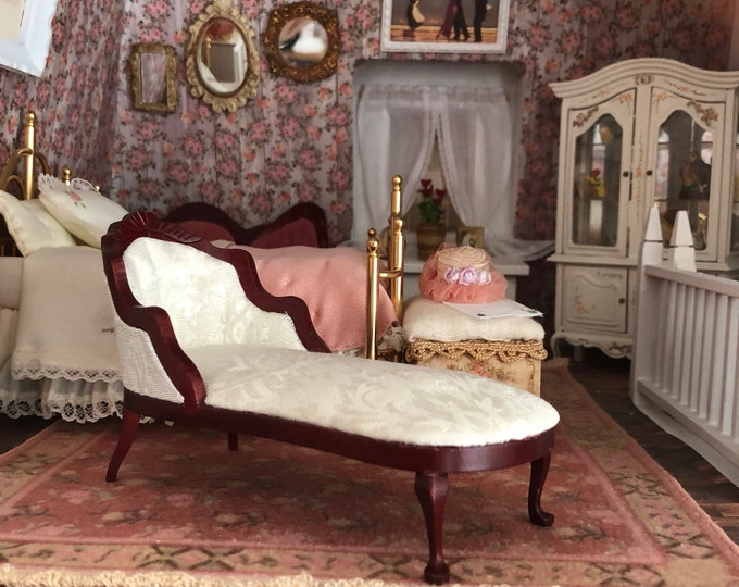 Miniature Chaise, Fainting Couch, White Fabric Chaise, Dollhouse Miniature Furniture, 1:12 Scale, Mini Furniture, 1 Inch Scale Chaise