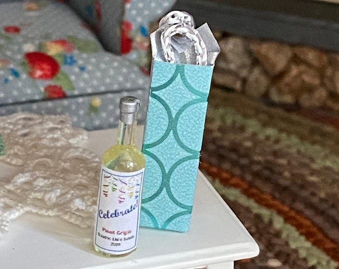 Miniature Wine Bottle And Gift Bag Set, Celebrate Pinot Wine and Bag Set, Dollhouse Miniatures, 1:12 Scale, Dollhouse Accessory, Decor