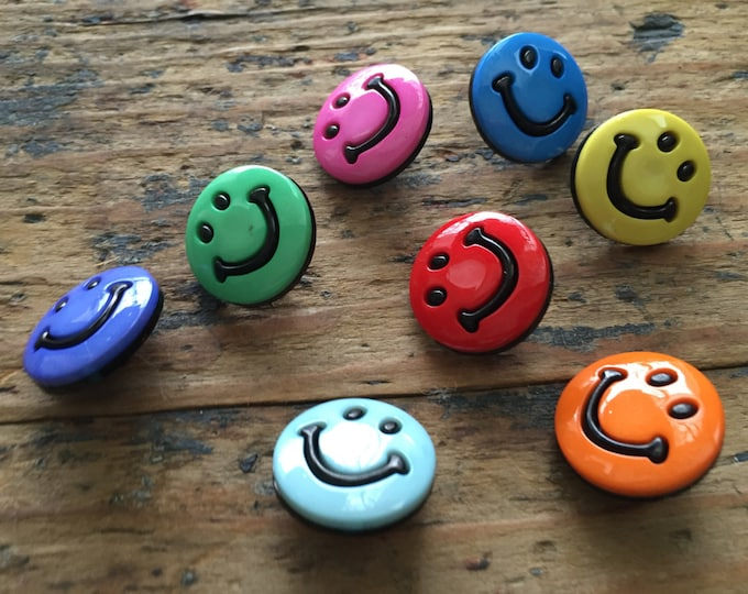 """Smiley Face Buttons, Packaged Novelty Buttons by Buttons Galore, """"Smileys"""" Style 4200, Shank Back Buttons, Sewing, Crafting Embellishments"""