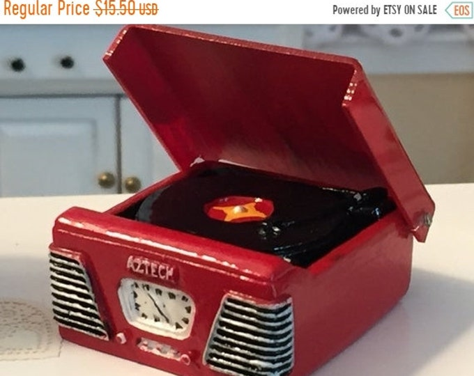 SALE Miniature Turntable, Red 1950's Style Turntable Record Player, Dollhouse Miniature, 1:12 Scale, Dollhouse Decor Accessory