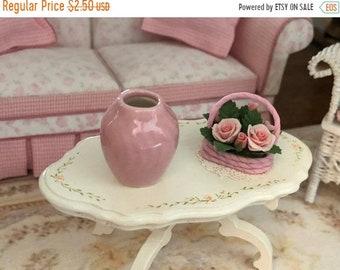 SALE Miniature Pink Vase, Dollhouse Miniature, 1:12 Scale, Mini Flower Vase, Ceramic Vase, Dollhouse Accessory, Decor, Crafts