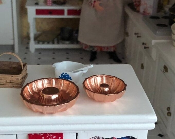 SALE Miniature Bundt Pans, Set of 2, Dollhouse Miniature, 1:12 Scale, Dollhouse Kitchen Accessory, Miniature Baking, Decor, Crafts