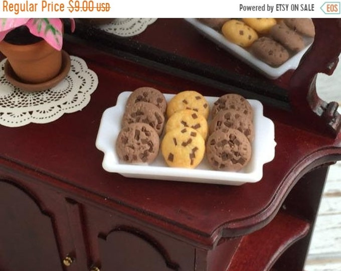 SALE Miniature Chocolate Chip Cookies on Tray, Dollhouse Miniature, 1:12 Scale, Dollhouse Food, Mini Food, Cookies, Decor