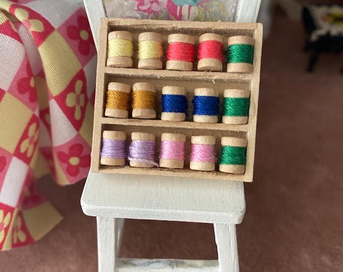 Miniature Thread Box, 15 Mini Wood Thread Spools, Dollhouse Miniature, 1:12 Scale, Dollhouse Accessory, Decor, Mini Sewing Crafts