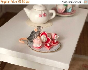 SALE Miniature Mouse Figurine, Mouse With Sweets Style #30, Dollhouse Miniatures, 1:12 Scale, Dollhouse Decor, Topper, Crafts, Shelf Sitter