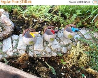 SALE Mini Bird Basket, Resin Basket with Perching Bird, Choose from 3 Colors, Fairy Garden Accessory, Miniature Home & Garden Decor