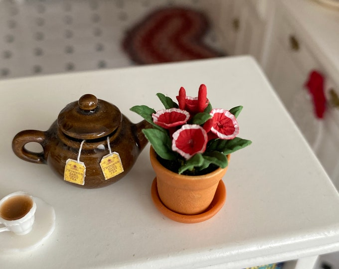 Miniature Petunias, Mini Flowers in Clay Flower Pot With Removable Drip Saucer, Style #93, Dollhouse Miniature, 1:12 Scale, Mini Flowers