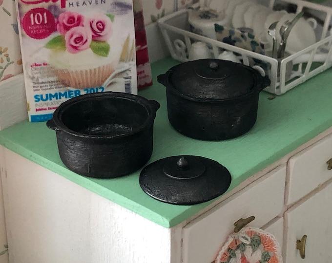 Miniature Pot, Mini Vintage Look Metal Black Pot With Lid, Cast Iron Look, Mini Dutch Oven, Style #04, Dollhouse Miniature, 1:12 Scale