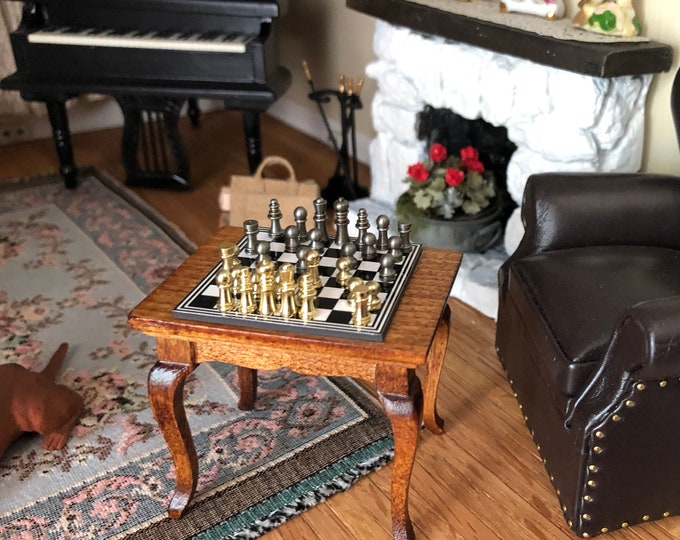 Miniature Chess Table Set, Magnetic Board on Wood Table, Mini Chess Set, Dollhouse Miniature, 1:12 Scale, Dollhouse Furniture, Decor