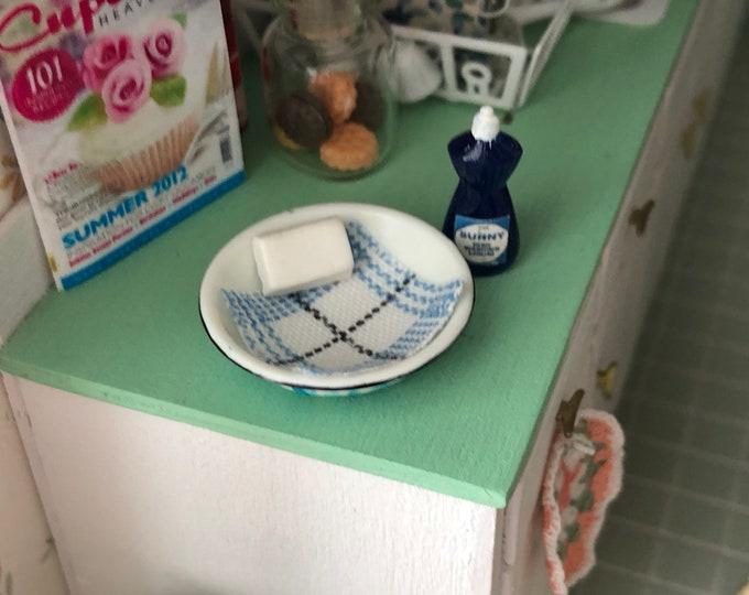 Miniature Basin, Soap, Dish Cloth and Dish Soap Set, Dollhouse Miniature, 1:12 Scale, Mini Cleaning, Dollhouse Decor, Accessory