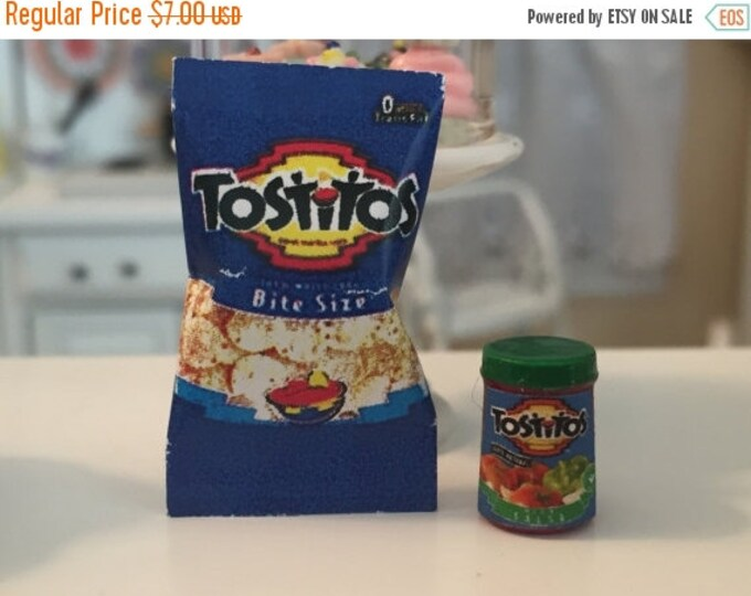 Miniature Chips and Salsa, Dollhouse Miniature, Miniature Food, Dollhouse Accessory, 1:12 Scale Miniatures, Chips and Salsa Dip