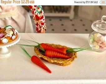SALE Miniature Carrots, Mini Set of Carrots, 4 Pieces, Dollhouse Miniature, 1:12 Scale, Mini Food, Dollhouse Food, Crafts, Embellishment, To