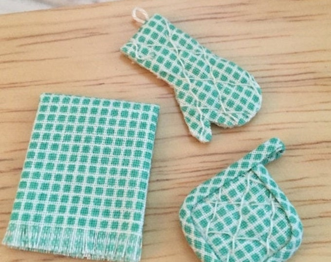 SALE Miniature Pot Holder, Oven Mitt and Kitchen Towel Set, Green and White, Dollhouse Miniature, 1:12 Scale, Dollhouse Kitchen Accessory
