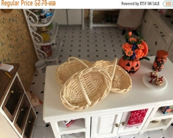 SALE Miniature Fruit Basket, Large Size, White Oval Basket, #83, Dollhouse Miniature, 1:12 Scale, Dollhouse Accessory, Decor, Mini Basket