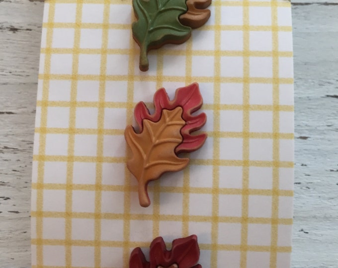 """Leaf Buttons, Carded Set of 3 by Buttons Galore """"Oak Leaves"""" Style FA120 Fall Friends Collection, Fall Leaf Buttons, Shank Back Buttons"""