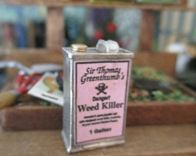 Miniature Weed Killer Can, Mini Garden Product Can, Dollhouse Miniature, 1:12 Scale, Dollhouse Garden Decor, Accessory