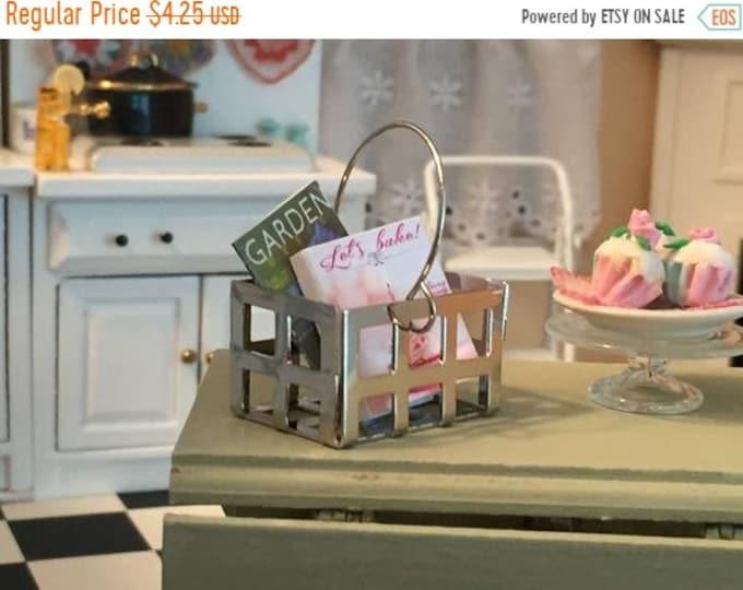 SALE Miniature Metal Handle Basket, Mini Metal Crate, Dollhouse Miniature, 1:12 Scale, Dollhouse Accessory, Topper, Crafts